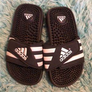 Kids Adidas Black and White strap size 13